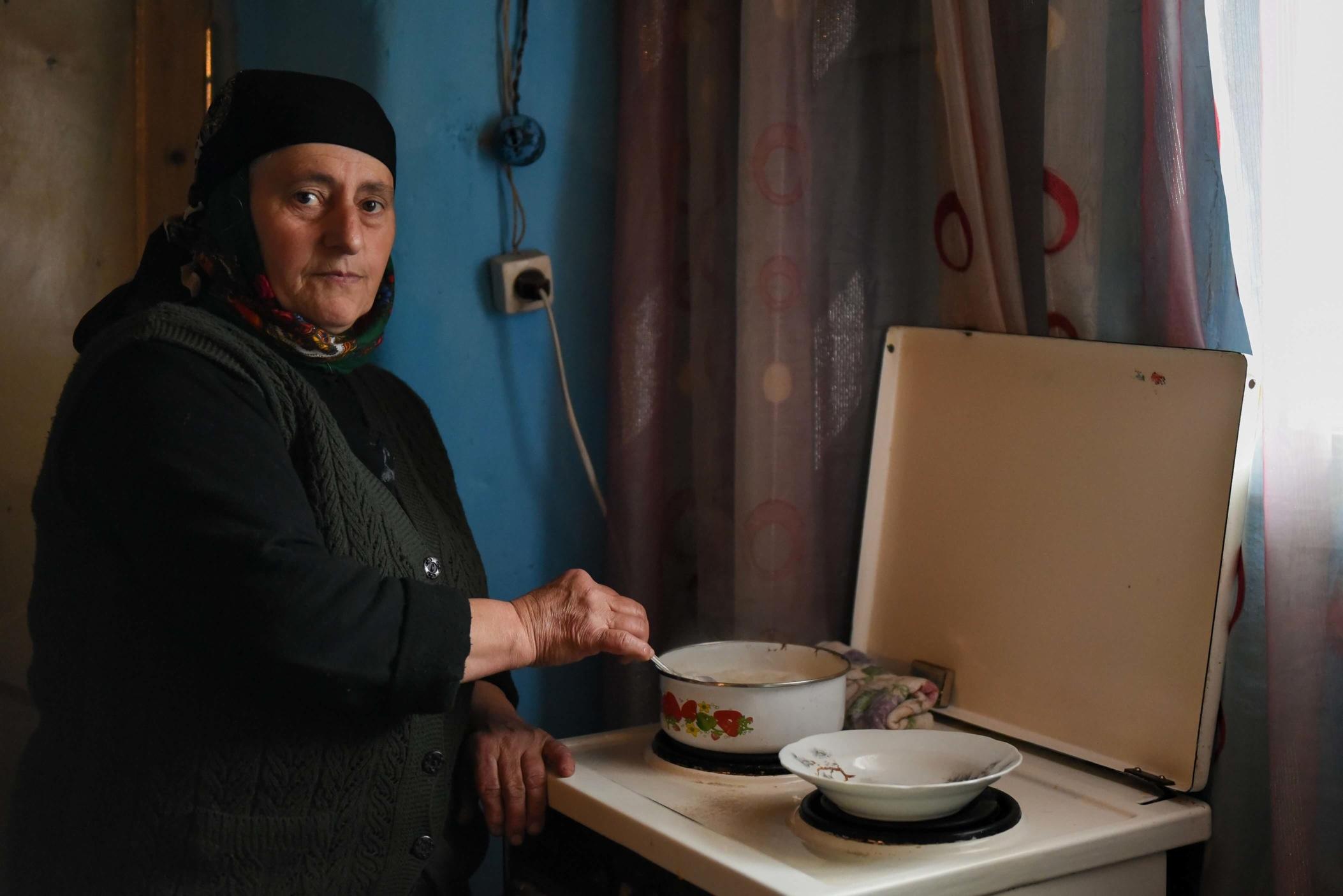 Chikherdieva Saliangul, 57 ans, une fille, femme au foyer