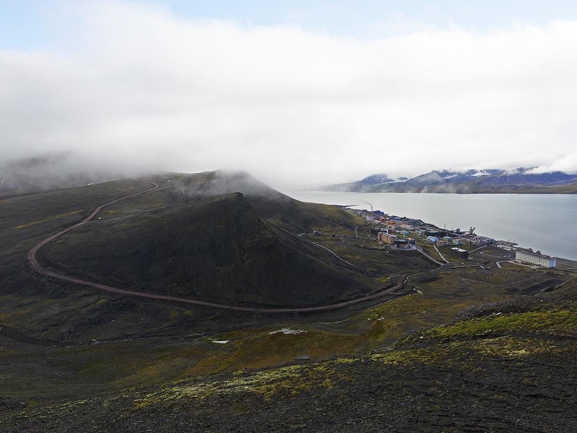 Barentsbourg est la propriété du trust Arktikugol, entreprise russe.