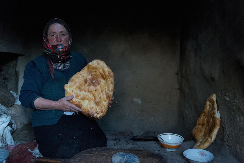 Aslanova Chtchekikhan, 58 ans, un fils, cuisinière à l'école